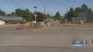 Police look for driver in Tacoma hit-and-run