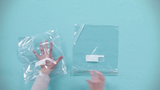 Ziplock bags can be used as gloves.