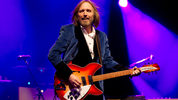 NEWPORT, UNITED KINGDOM - JUNE 22: Tom Petty of Tom Petty and the Heartbreakers performs on the main stage on day 2 of The Isle of Wight Festival at Seaclose Park on June 22, 2012 in Newport, Isle of Wight. (Photo by Samir Hussein/Getty Images)