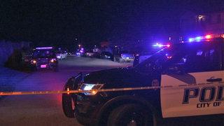 2 men shot, 1 fatally, in Everett robbery