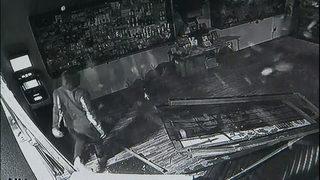 Burglars use car to ram through Bothell pot store
