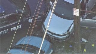 PHOTOS: Scene where suspect shot in Ravenna neighborhood