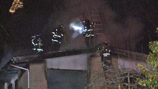 Flames break out in Seattle apartment
