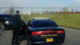 Backpacks cause Lewis and Clark Bridge, Columbia River closure