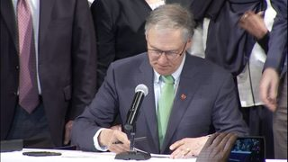Gov. Inslee signs package of voter access bills