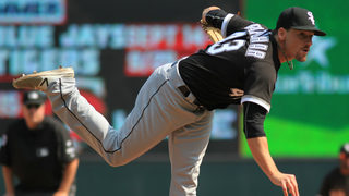Ex-Mariners pitcher Danny Farquhar suffers brain hemorrhage