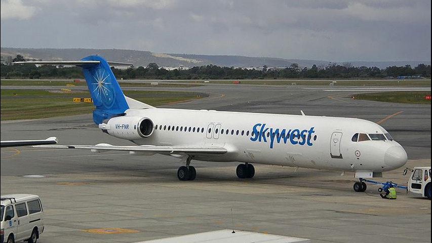 Gig Harbor flight attendant sues SkyWest, says pilot