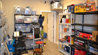 Men arrested, thousands of items seized at Seattle coin shop