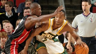 NBA star Dwayne Wade says he wants to help bring the Sonics back to Seattle