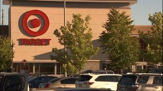 Police: Man tried to kidnap two women in two Renton stores
