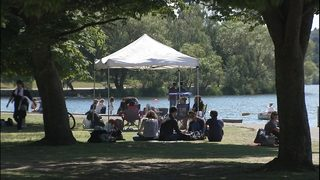 Father, toddler pepper sprayed at Green Lake; suspect arrested