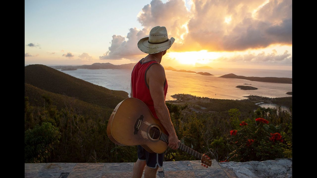 Magnificent Kenny Chesney Didnapost Know If His Friends Would Live Beutiful Home Inspiration Ommitmahrainfo