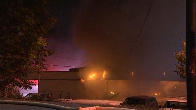 Large Fire Burns Businesses At Kirkland Strip Mall Kiro Tv