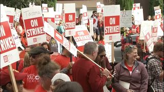 Tacoma teachers, district reach tentative agreement; school to start Monday