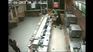 Lynnwood police look for man who brutally attacked Subway shop employee