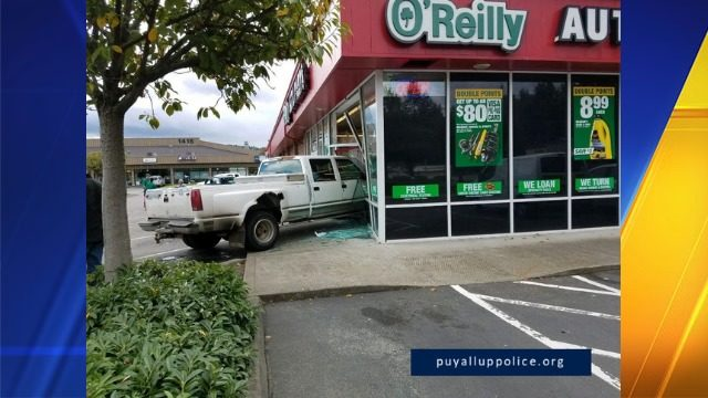 Orally Auto Part Near Me >> Truck Crashes Into O Reilly Auto Parts In Puyallup Kiro Tv