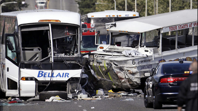 Tour bus, Duck vehicle, crash on Aurora Bridge_8195166