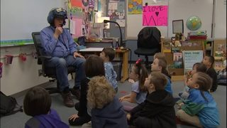 Veteran volunteers all day, every day at South Sound elementary school