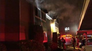 Mother and 2 boys make dramatic escape from Puyallup apartment fire
