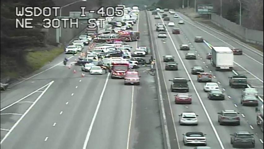 Multi-car crash blocks northbound I-405 in Renton | KIRO-TV
