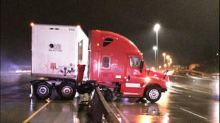 I-5 reopens in Tacoma after semi hit barrier, closing all lanes
