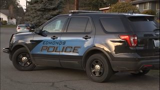 Police search for suspect after 5 new burglaries in Edmonds