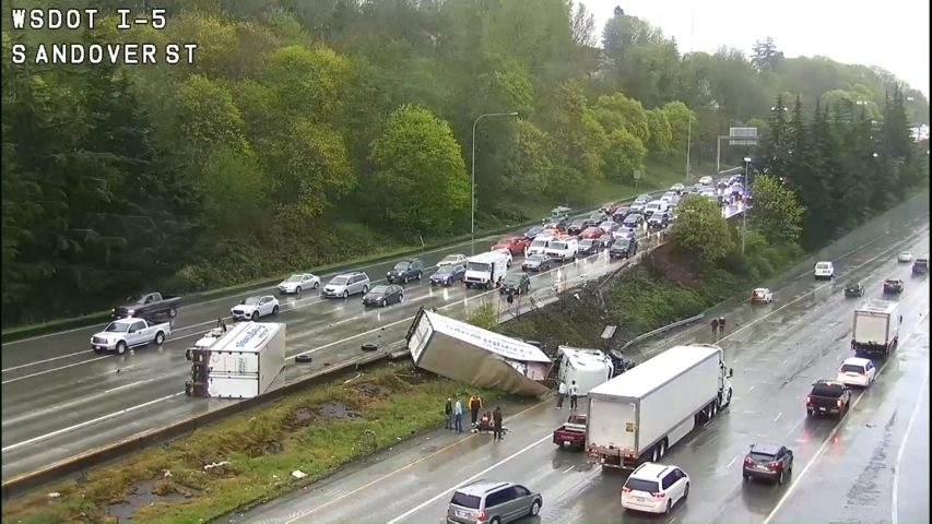 Police: Driver fell asleep, causing semitruck crash on I-5