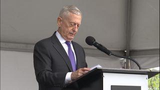 Former US defense secretary speaks at dedication ceremony for new Vietnam Veterans Memorial Park