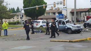 Police: 4 injured in alcohol-involved collision into pole in SeaTac