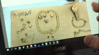 VIDEO: WSP: Suspects selling fake gold on freeways