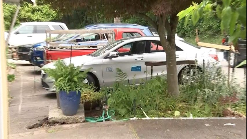 Barricaded Car2go Battle Ends Between Seattle Property Owner Share