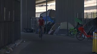 Cyclist scared by fight on popular Seattle trail