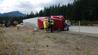 Semitruck crashes on I-90 near Cle Elum