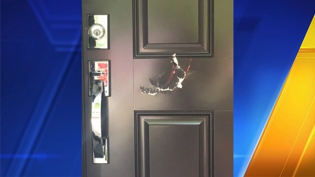 Lake Stevens woman sues after she says police raided the wrong house