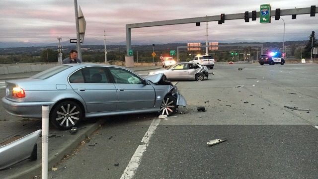 Chase in Snohomish County ends in crash; suspect in custody
