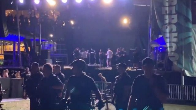 Report: Stage sign falls on multiple people at Bumbershoot