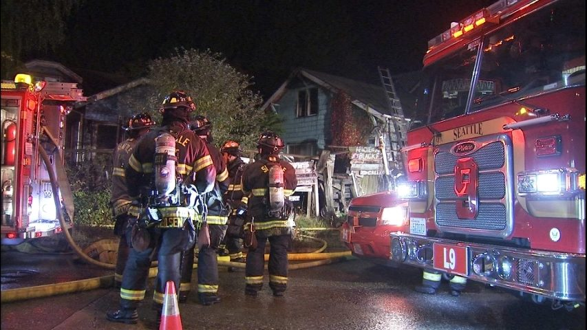 Man escapes North Seattle house fire