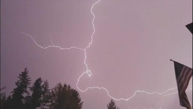 Lightning strikes damage several homes in West Seattle
